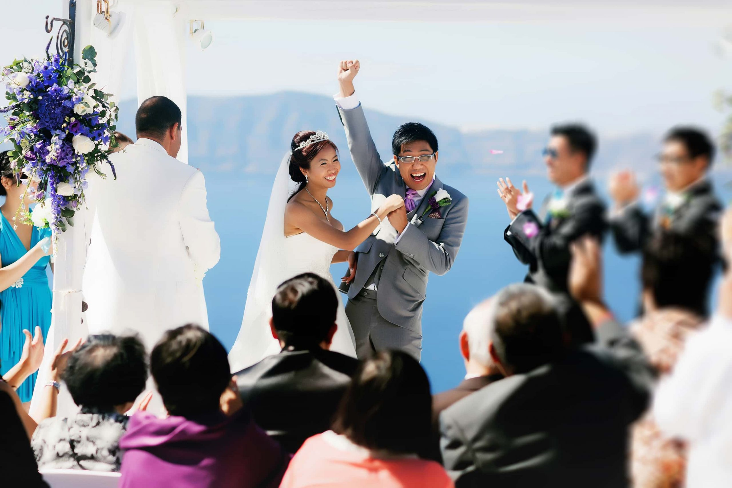 santorini wedding couple 4c